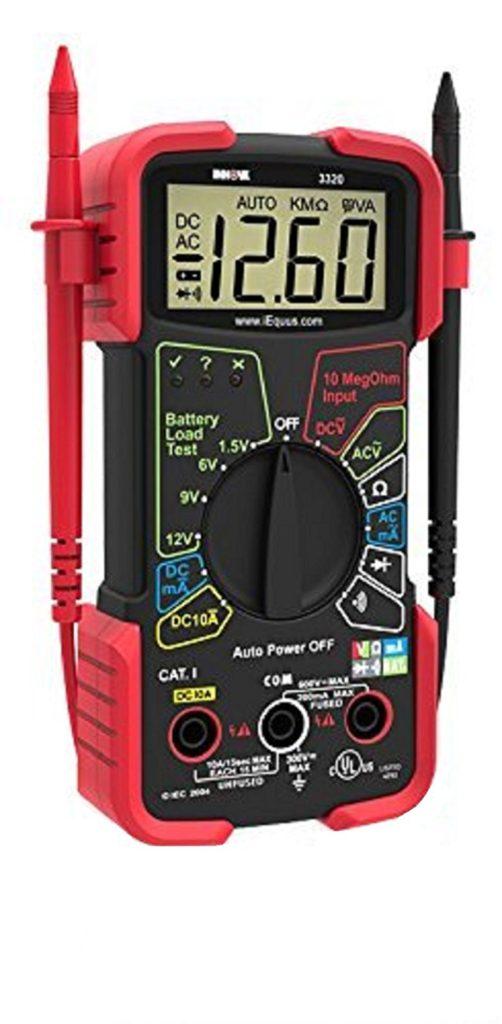 Multimetro digital necesario para verificación y pruebas en paneles solares