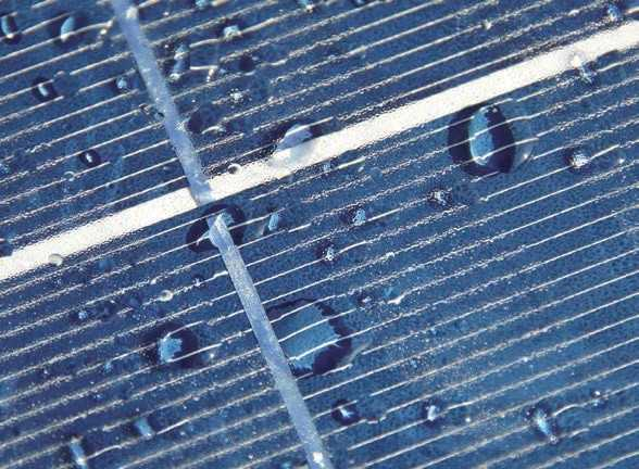 Cleaning solar modules