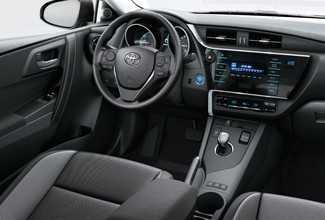auris hybrid interior